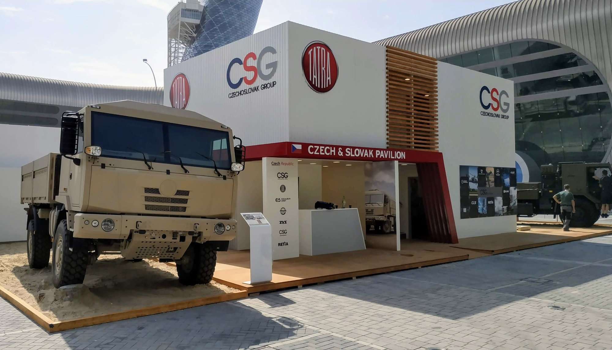 Exhibits of the Czech and Slovak companies of the CZECHOSLOVAK GROUP and TATRA TRUCKS attracted significant attention at the IDEX 2019 exhibition in Abu Dhabi